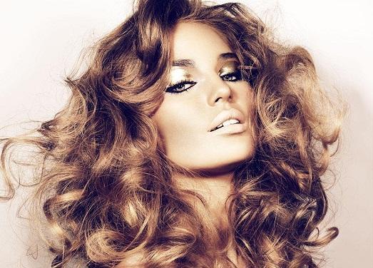 Правильный уход за волосами после химической завивки и рекомендации по восстановлению