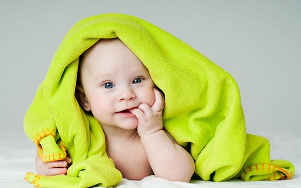 Уход за волосами младенца