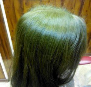 Парикмахеры-колористы выделяют 10 наиболее частых причин появления зелёного цвета на волосах