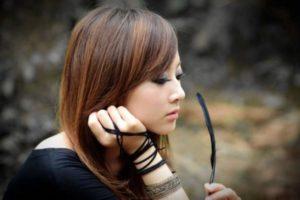японка с прямыми волосами