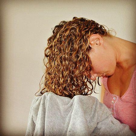 Уход за кудрявыми сухими волосами