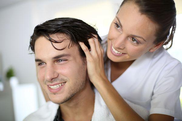 жирные волосы у мужчин и женщин