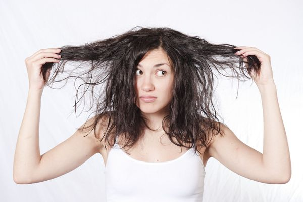неопрятный вид волос