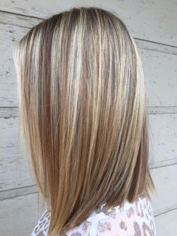 прямых волосах средней длины