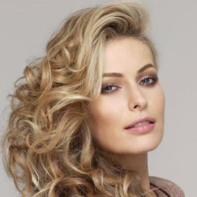 Женские прически для кудрявых волос