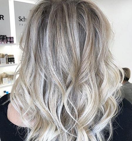 Мелирование на светлые волосы разными способами