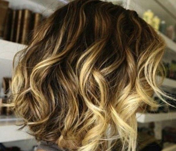 Мелирование верхних прядей волос