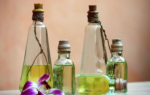 Из репейного, касторового и оливкового масла