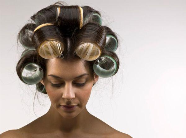 Сколько нужно держать бигуди на волосах
