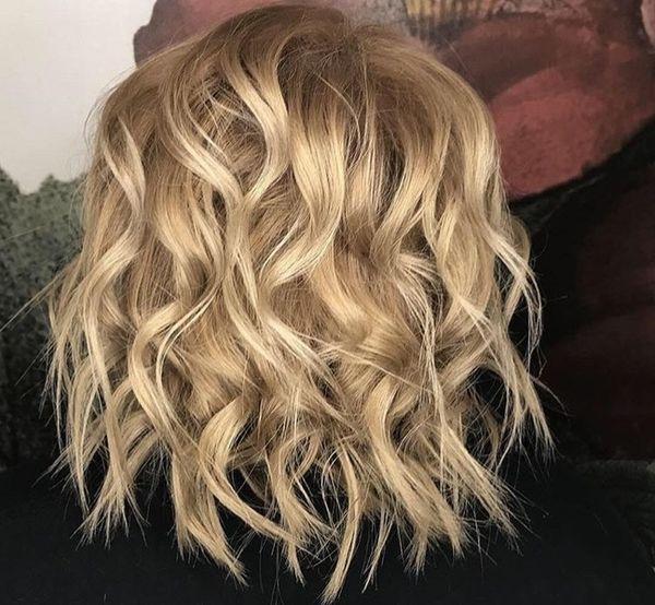 ломаные кудри на средние волосы