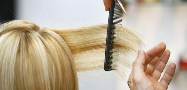 подстригание волос