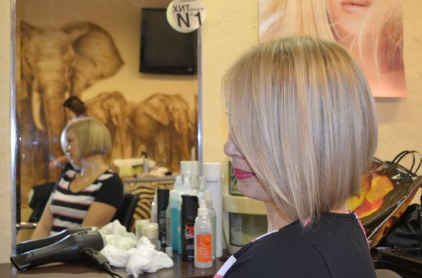 стрижка каре блонд в салоне