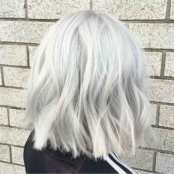 пепельно-белый цвет волос