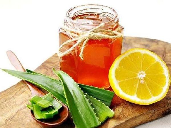 Лимонный сок, сметана, алоэ и мед