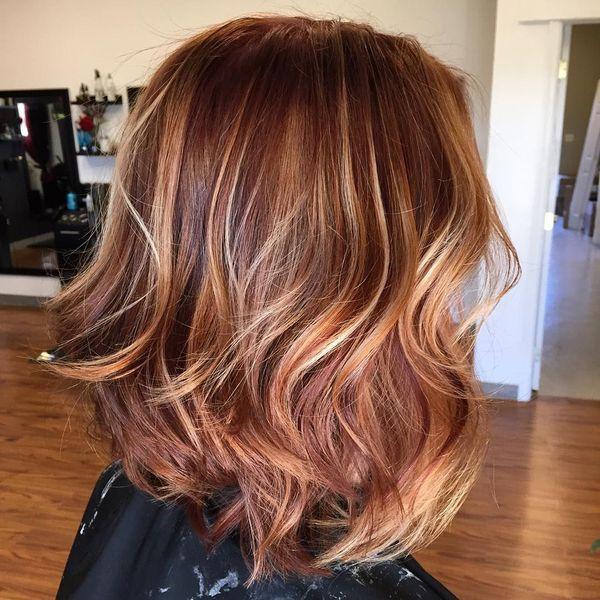 карамельное мелирование на средние волосы