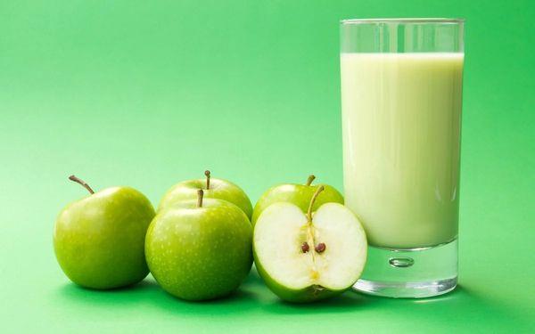 яблука и молоко