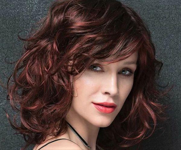 классический Каскад на вьющиеся волосы