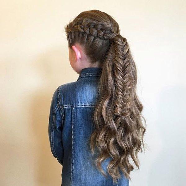 Высокий хвост с двумя разными косами