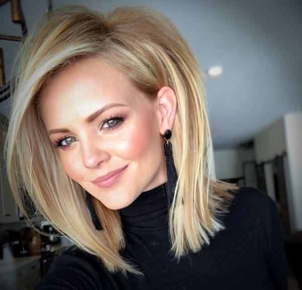 Прямые волосы с объемом