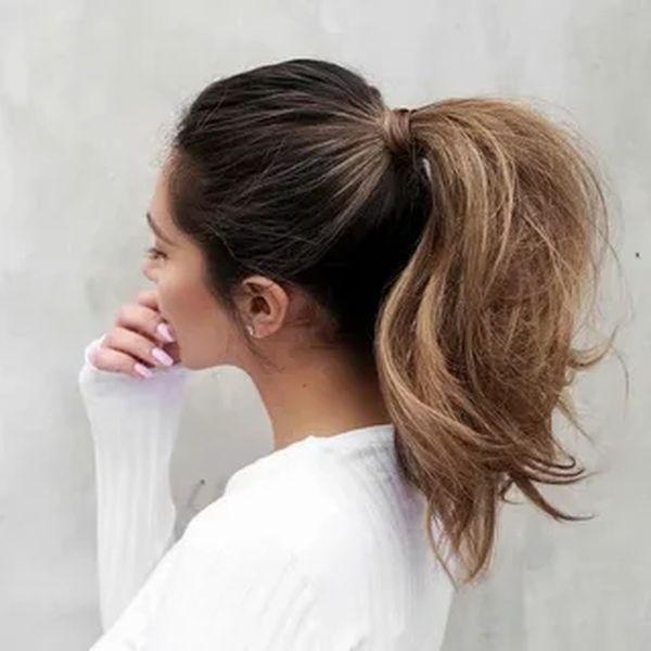 Объемный пышный высокий хвост на средние волосы