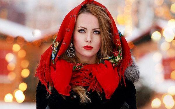платок на голову В стиле Красной Шапочки